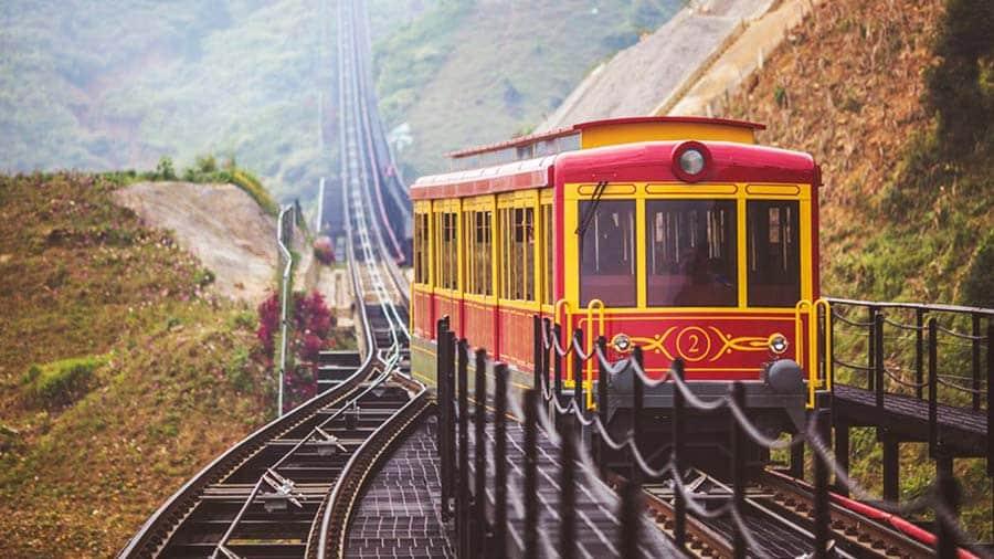 Tàu hỏa leo núi Mường Hoa kết hợp ngắm cảnh Sapa tuyệt đẹp