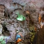 Động Thiên Long hang động mới ở Cát Bà