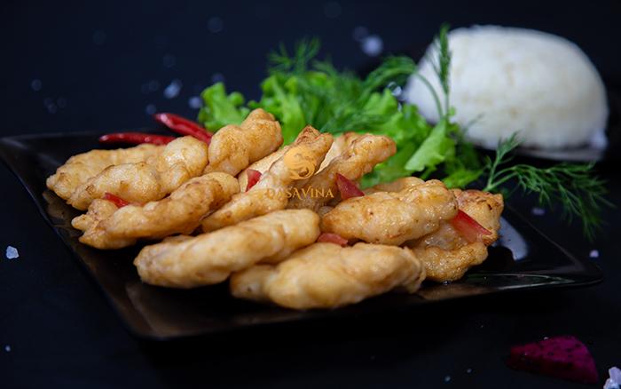 Chả mực DASAVINA dai giòn trở thành món ngon không thể thiếu trong bữa cơm của gia đình Việt