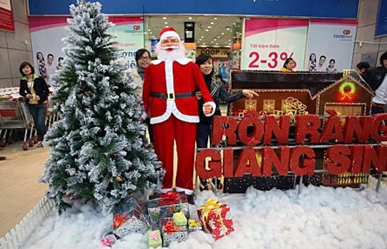 Giáng sinh nhộn nhịp ở Hà Nội