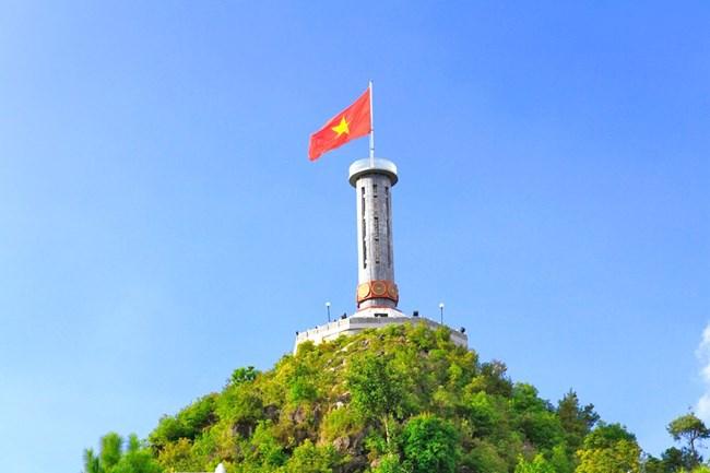 Cột cờ Lũng Cú Hà Giang - Điểm cực Bắc của Tổ Quốc