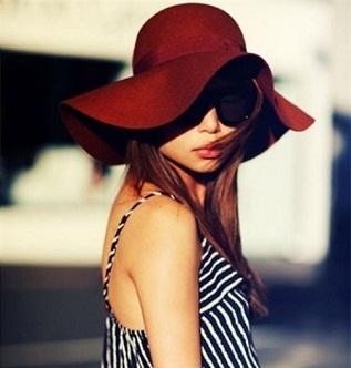 Cách chọn mũ đi biển