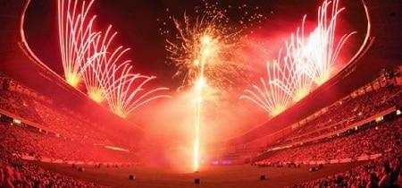 Một màn trình diễn của đội Howard Sons Fireworks