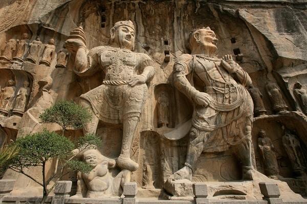 Hang đá Long Môn - Di sản văn hóa Thế giới