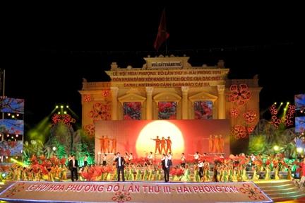 Lễ hội hoa phượng đỏ lần thứ IV được tổ chức vào 9/5/2015