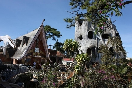 Kiến trúc độc đáo của Ngôi nhà điên