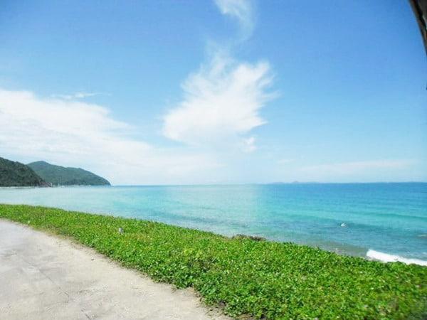 Bãi biển Quan Lạn