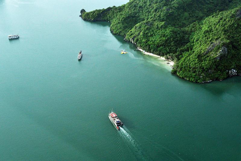 Du lịch Vịnh Hạ Long bằng thủy phi cơ