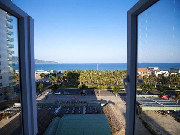Khách sạn Tuấn Phong với hướng nhìn tuyệt đẹp ra biển