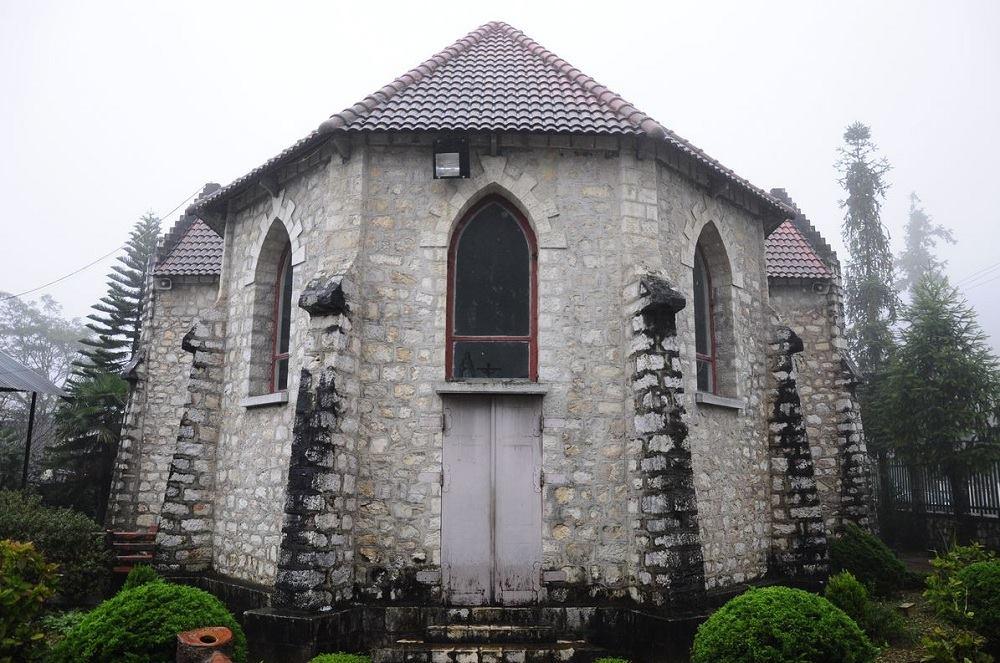 Khu tháp chuông cuối nhà thờ