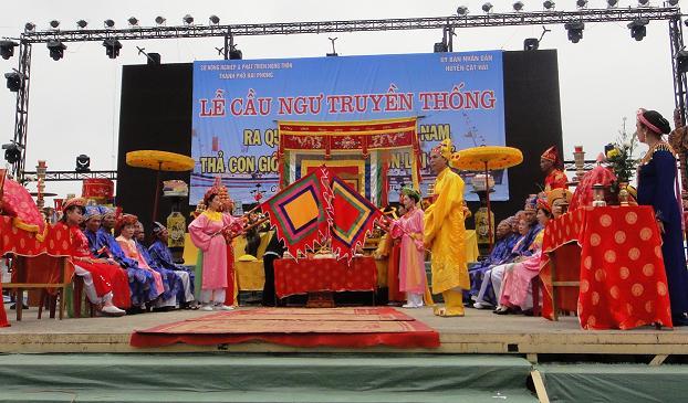 Lễ hội Cầu Ngư của người dân Cát Bà