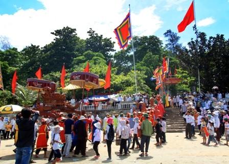 Lễ giỗ Lê Khôi tại đền Chiêu Trưng