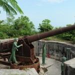 Ngoạn cảnh Cát Bà từ pháo đài Thần Công