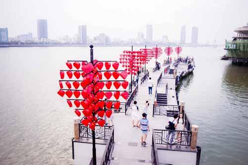 Cầu tàu tình yêu - Địa điểm lý tưởng cho các đôi bạn trẻ