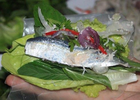 Gỏi cá trích - Món ngon không thể bỏ qua khi du lịch Phú Quốc