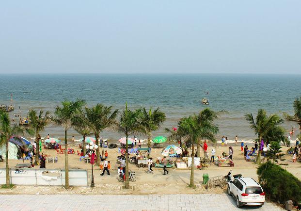 Khu du lịch sinh thái biển Hải Tiến hấp dẫn du khách mỗi dịp hè về