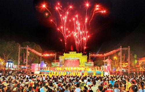 Lễ hội Hoa Phượng Đỏ 2015 kỷ niệm 60 năm giải phóng Hải Phòng