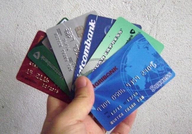 Không nên mang theo quá nhiều tiền mặt mà hãy mang theo thẻ ATM