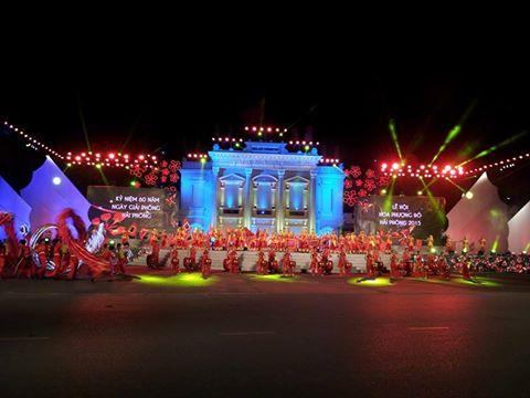 Tổng duyệt chương trình biểu diễn dịp lễ hội hoa phượng đỏ 2015
