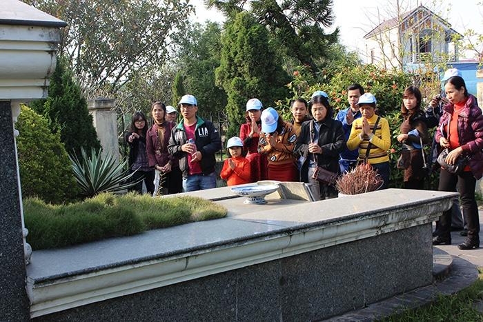 Điểm tiếp theo là mộ nhà văn liệt sĩ Nam Cao