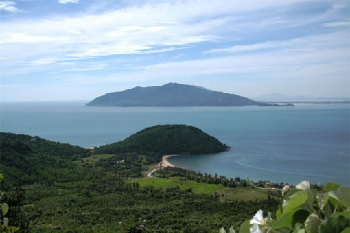 Vẻ đẹp Vũng Chùa - đảo Yến