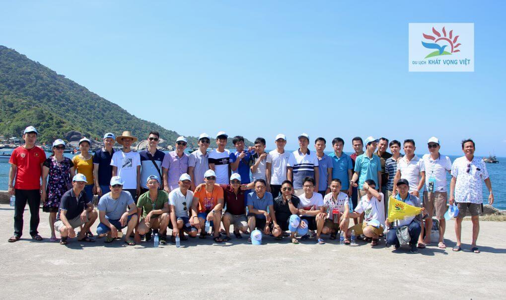 Đoàn tập thể ban quản lý dự án Quế Võ Bắc Ninh tại bán đảo