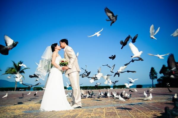 Khung ảnh cưới tuyệt đẹp ở công viên bãi biển Phạm Văn Đồng