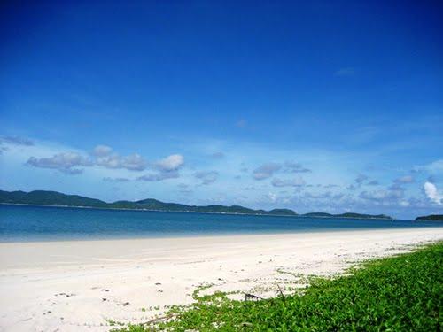 Vẻ đẹp hoang sơ, thơ mộng của bãi biển ở Cô Tô Con