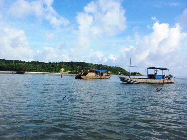 Chuyến hành trình trên tàu ra đảo Cô Tô Con
