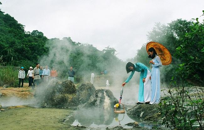 Hình ảnh suối nước khoáng Bang Quảng Bình