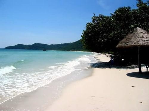 Nét bình yên nhẹ nhàng của bãi biển Minh Châu trên đảo Quan Lạn
