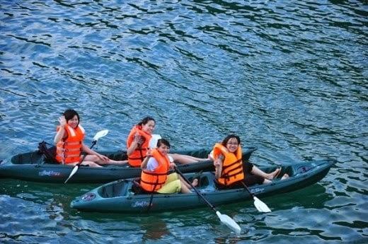 Chèo thuyền Kayak khám phá biển đảo