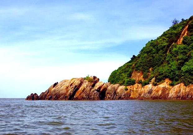 Chiêm ngưỡng vẻ đẹp hòn đảo đẹp nhất ở Thanh Hóa- đảo Hòn Nẹ
