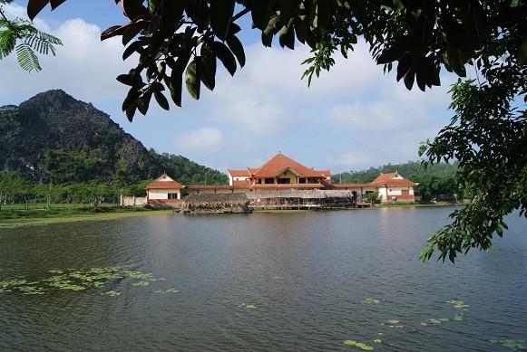 Thơ mộng cảnh quan hồ Kim Quý