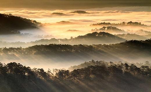 Ngắm bình minh trên đỉnh Hòn Bồ