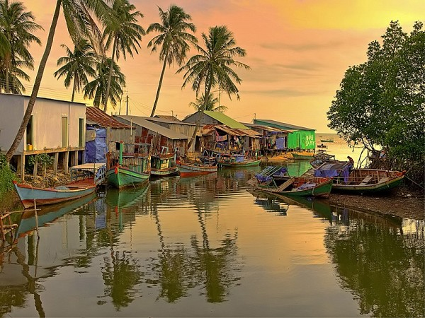Nét đẹp của làng chài cổ Hàm Ninh