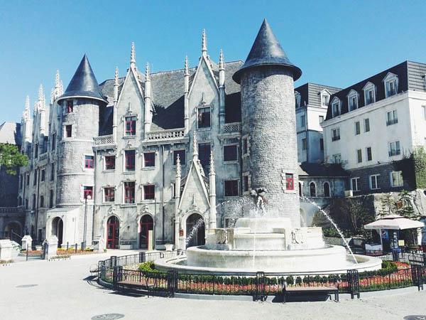 Tòa lâu đài Chateau De Chenonceau lộng lẫy mang kiến trúc cổ kính đẹp mê hồn