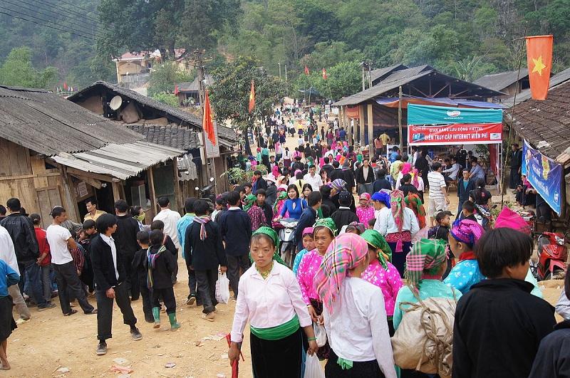 Chợ tình Khâu Vai diễn ra duy nhất một lần trong năm với nhiều hoạt động hấp dẫn