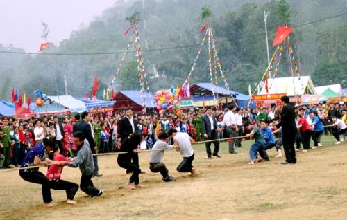 Lễ hội Xuống Đồng ở Mai Châu
