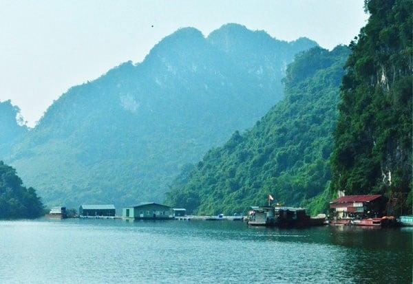 Cảnh sắc tuyệt mỹ của Lòng Hồ Thung Nai