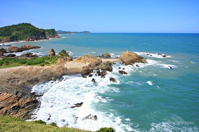 Nước biển Cô Tô luôn rất trong xanh