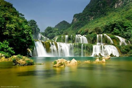 Khung cảnh thiên nhiên hùng vĩ, thơ mộng ở Thác Bản Giốc