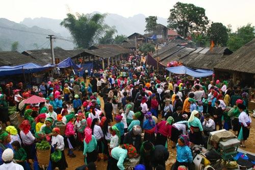 Khám phá nét văn hóa độc đáo của chợ phiên Hà Giang