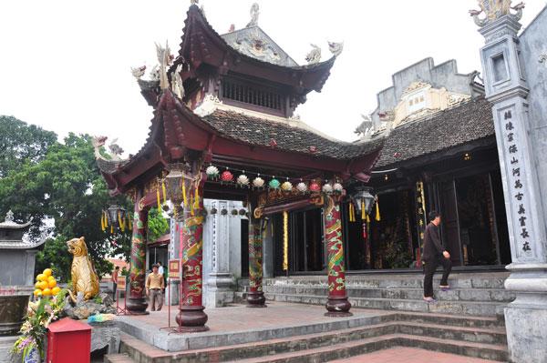 Tour đền Cửa Ông – Tuần Châu – Yên Tử 2 ngày 1 đêm giá rẻ