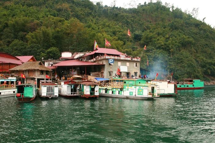 Tour du lịch đền Thác Bờ – thủy điện Hòa Bình
