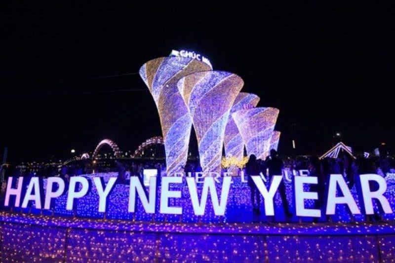 Những Công Trình lấp lánh ánh đèn. để chào đón năm mới Tại Thành Phố Đà Nẵng.