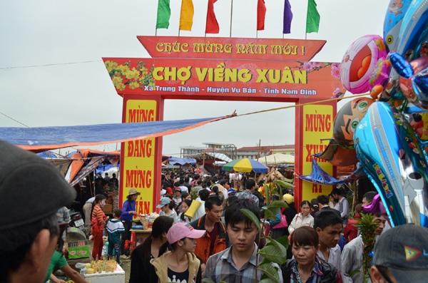 Tour lễ hội: Hà Nội – chợ Viềng 2 ngày 1 đêm