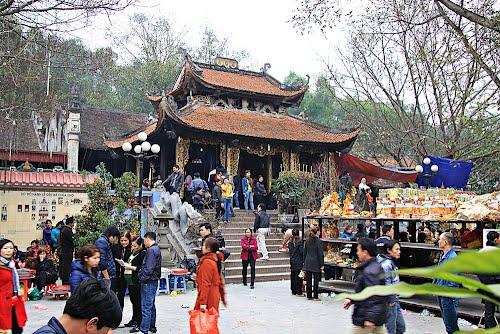 Tour Hà Nội – đền Bà Chúa Kho – Chùa Dâu 1 ngày
