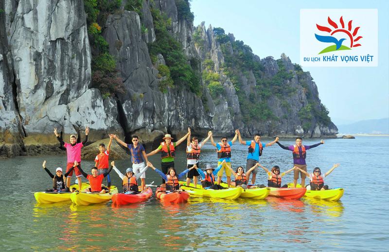 Chèo thuyền kaya khám phá vịnh Hạ Long