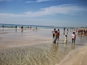 Thỏa sức tắm biển tại Du lịch Nha Trang